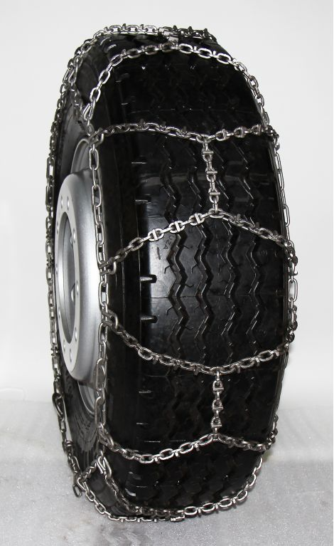 TRYGG Scan Trac Lightweight 5,5 mm snow chains, with wear bars.