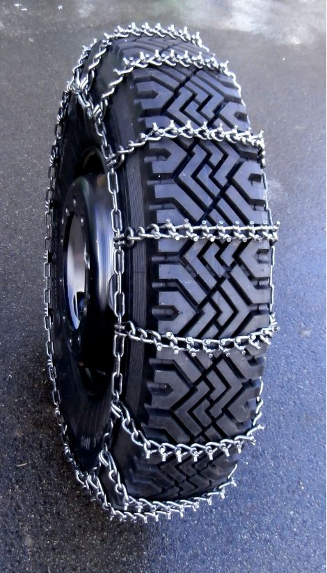FRAM by TRYGG. Half tight pattern low cost snow chains, with round studs.